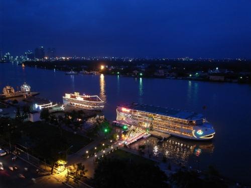 サイゴン河